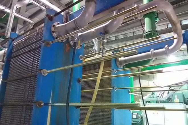 Ethanol üzemben lemezes hőcserélő tisztítása