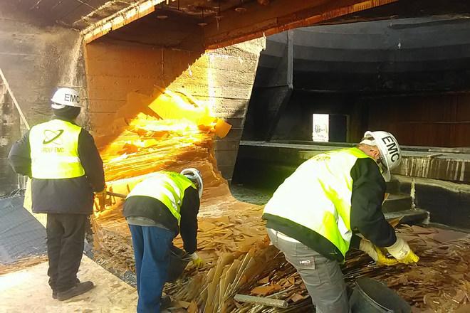 Nedves hűtőtorony felújítása, dolgozók